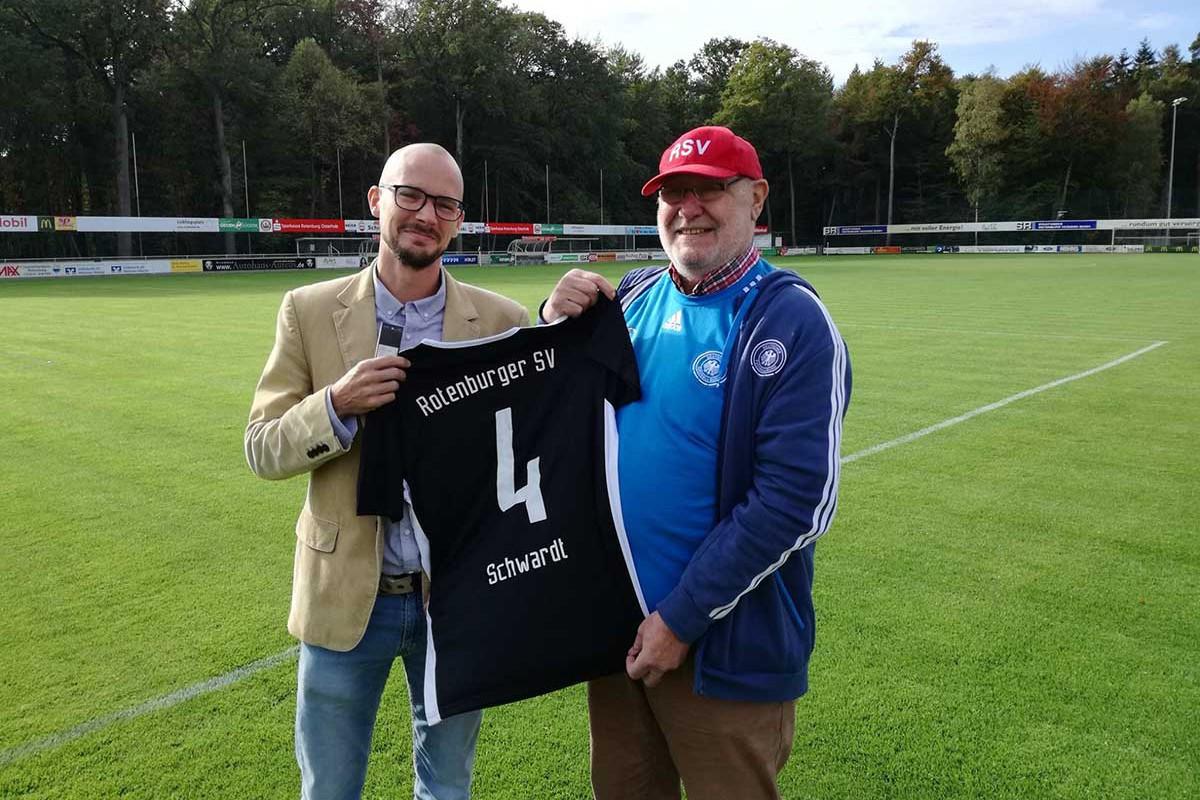 Henning Schwardt mit SOndertrikot
